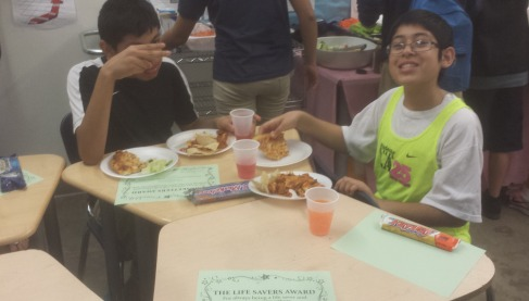 SRLA runners eating their lunch.