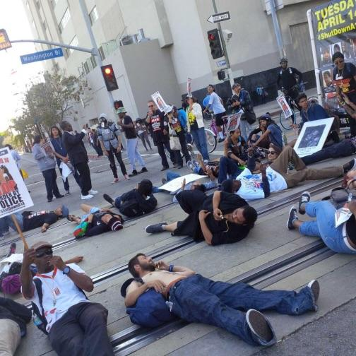 This is how the protesters were blocking the Metro Blue Line.