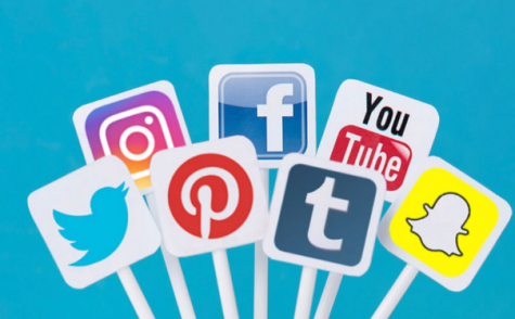What are the benefits of social media?